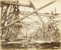 """<p style=""""text-align: justify;"""">Dans une France en difficulté, et encore marquée par le souvenir de sa défaite face à l'Allemagne en 1870, s'i ..."""