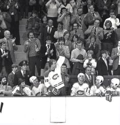 Rediscovered photo of Guy Lafleur and Mario Lemieux shows a young star admiring his Montreal Canadiens hockey hero