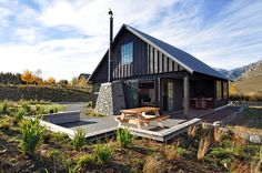 http://highcountryhomes.co.nz/gallery/river-stone-hut/