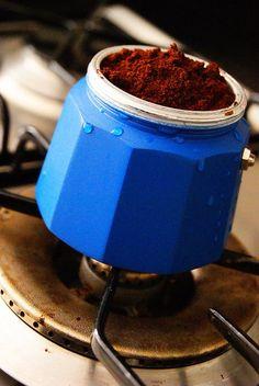 ¿Apetece un buen #cafe con #granaroma hecho con una cafetera con estilo?