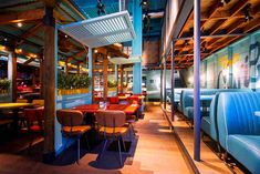 Designers designed the interiors for Levi Roots Caribbean Smokehouse, the popular high street Caribbean restaurant in Brixton, London. Caribbean Cafe, Caribbean Restaurant, Roots Restaurant, Restaurant Concept, Restaurant Ideas, Restaurant Interior Design, Cafe Interior, Restaurant Interiors, Innovation
