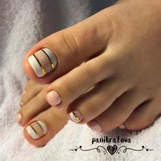 Stunning toe nail design with white and pink colors colors design stunning white nail designs toe nail art designs toe nail art summer summer beach toe nails Simple Toe Nails, Pretty Toe Nails, Cute Toe Nails, Toe Nail Color, Toe Nail Art, Nail Colors, Shellac Pedicure, Manicure, Ten Nails