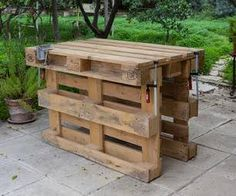 Workbench Made With 3 Pallets, No Tools, No Nails, No Screws