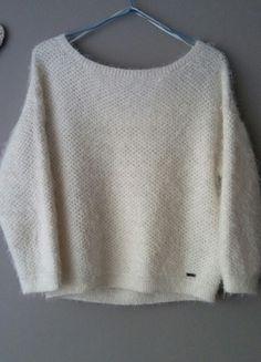 Kup mój przedmiot na #vintedpl http://www.vinted.pl/damska-odziez/swetry-z-dekoltem/12766695-krotki-wlochaty-sweterek-fluffy