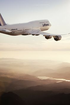 Until now there have been only a few things your phone's airplane mode was good for. Thanks to Lufthansa there is another option: helping to save the world. Best Airlines, Boeing Aircraft, Passenger Aircraft, Aviation World, Civil Aviation, Airline Travel, Air Travel, Airline Tickets, Jets