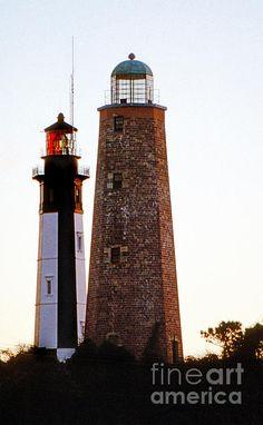 THE CAPE HENRY #LIGHTHOUSES Chesapeake Bay & Atlantic Ocean Fort Story, Virginia Beach, #Virginia    http://www.roanokemyhomesweethome.com
