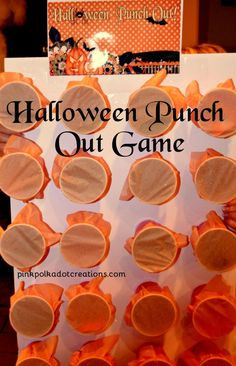 Halloween Punch Out Game - Pink Polka Dot Creations Halloween Punch Out Game. A fun game for kids of all ages. Can be used for parties, lessons, or activities! This board is easy to make and can be used over and over! Punch Halloween, Halloween Tanz, Happy Halloween, Bonbon Halloween, Halloween Karneval, Halloween Birthday, Holidays Halloween, Halloween Treats, Halloween Diy