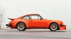 1975 Porsche 934: Dieser Porsche war sowohl beim GT Championship in Europa als auch beim TransAm Championship in Amerika erfolgreich. Laut Auktionskatalog ist er zwischen 800.000 und einer Million Dollar wert.