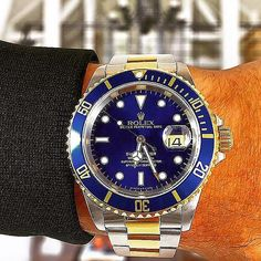 Rolex- Rolex Submariner very executive watch perfect for all gentlemen . #rolex #rolexsubmariner #rolexwatch #luxury #luxurywatch #luxurycars #breitling #watchcollection #iconic #follow4follow #like4follow #like4like #city #country #gentleman #urbangent #pic #picoftheday #pictureoftheday #amazing #beach #sea #smile #family #friends #privatejet #luxurylife #billionaire - via http://ift.tt/1nDrqv2