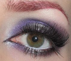 Glitter is my crack...: Silver and Purple Eye makeup Look
