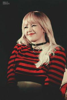 91 Best Lisa Blackpink Images Blackpink Lisa Kpop Girls Black