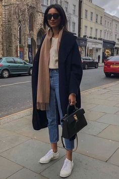 Simple winter outfits that you& love - Fashion t .- Einfache Winter-Outfits, die Sie lieben werden – Fashion that i Love – Simple winter outfits that you& love – Fashion that i love – - Simple Winter Outfits, Winter Fashion Outfits, Autumn Winter Fashion, Winter Ootd, Winter Layering Outfits, Fall Layered Outfits, Winter Outfits 2019, Winter Coat Outfits, Winter Style
