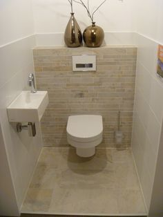Lea Eissturm The Most Useful Bathroom Shower Ideas There are almost uncountabl Small Toilet Room, Guest Toilet, Bad Inspiration, Bathroom Inspiration, Modern Bathroom Design, Bathroom Interior, Bathroom Designs, Cloakroom Toilet Downstairs Loo, Master Bathroom