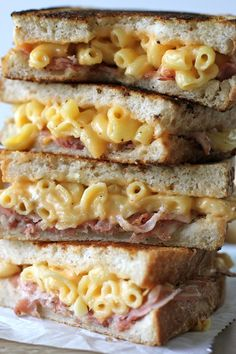 Pancetta Mac and Cheese Panini----My second favorite food.a carb sandwich. Panini Recipes, Cheese Recipes, Cooking Recipes, Drink Recipes, Smoothie Recipes, Yummy Recipes, Dinner Recipes, I Love Food, Good Food