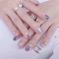 The pearl nail art : the trendy manicure that you absolutely must have! Pearl Nail Art, Pearl Nails, Beautiful Morning Images, Show Beauty, Deep Burgundy, Us Nails, Acrylic Nails, Manicure, Nail Designs