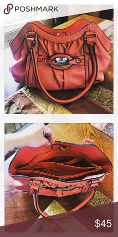 ✳️ Nicole Miller purse Orange Nicole purse! All my items are sold AS IS. Please remember that it is used unless otherwise stated. Nicole by Nicole Miller Bags Shoulder Bags