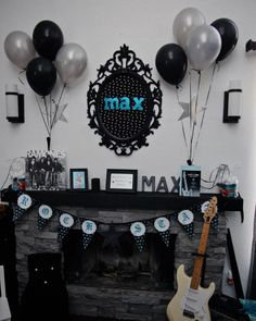 Love the color scheme and damask print! Music Baby Showers, Rock Baby Showers, Baby Shower Niño, Star Baby Showers, Sock Hop Party, Chelsea Baby, Rockabilly Baby, Punk Baby, Rock Star Party