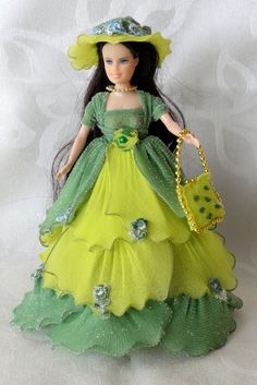 Nylon Flowers, Paper Flowers Diy, Handmade Flowers, Ribbon Crafts, Flower Crafts, Nylon Crafts, Fairy Dolls, Nylon Stockings, Diy Doll