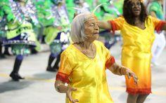 Integrantes da Mancha Verde mostram que samba não tem idade