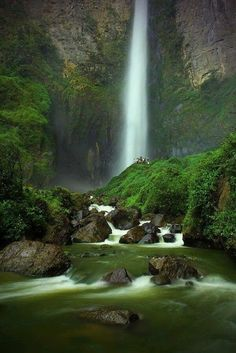 Google+ Sipisopiso Tongging Cascada, Sumatra Indonesia