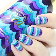 So obsessed with my @tartecosmetics rainforest of the sea marine boosting mist at the moment, and the packaging had me so inspired to do these nails  love how they turned out! Tutorial for how I created this design coming soon... X #tartecosmetics #rainforestofthesea