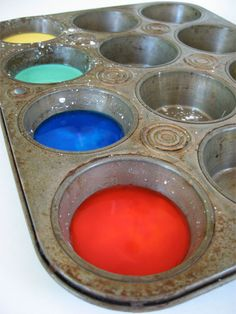 How to make driveway and sidewalk paint for kids. Keep kiddos busy for hours with homemade chalk paint #recipe #kids skiptomylou.org