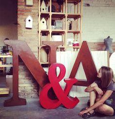 letras gigantes por la factoria plastica
