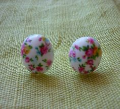 Boucles d'oreilles ovales shabby chic. : Boucles d'oreille par laboiteabijouxnanny
