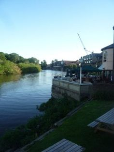 A quaint village on the river Thames with old fashioned pubs and grand old houses, London's largest park and numerous walking trails: Richmond has it all. Richmond London, English Village, River Thames, London Travel, Travel Guides, Old Houses, Explore, World, City