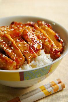 Sriracha Chicken Thigh Fillets food-and-drink Think Food, I Love Food, Good Food, Yummy Food, Turkey Recipes, Chicken Recipes, Honey Sriracha Chicken, Sriracha Sauce, Recipes