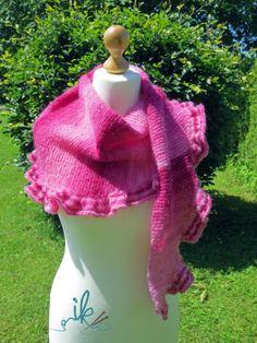 Strickanleitung für einen Schal mit Rüschen http://www.will-stricken.de/2016/07/rosy-shawl-strickanleitung-tuch-mit-rueschen.html
