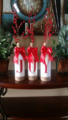 Amazing Snowman Craft Ideas For Decoration - Pajero is My Dream Wood Christmas Tree, Christmas Wreaths, Christmas Crafts, Christmas Bulbs, Christmas Wine Bottles, Snowman Crafts, Wine Bottle Crafts, Xmas Decorations, Craft Ideas