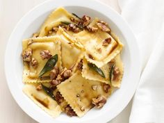 Ravioli with Sage Walnut Butter. (Would be really good with Pumpkin or Butternut Squash Ravioli) Food Network Recipes, Cooking Recipes, Easy Recipes, Family Recipes, Amazing Recipes, Rice Recipes, Cooking Ideas, Vegetarian Recipes, Chicken Recipes