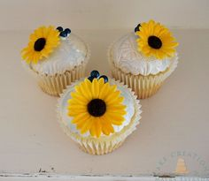 Sunflower Rustic Wedding Cake & Cupcakes
