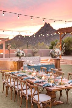 Colorful Desert Sunset Wedding in Arizona ⋆ Ruffled This stunning wedding in the Arizona desert features the sweetest couple with an epic love story. Sunset Wedding, Wedding Reception, Dream Wedding, Wedding Desert, Party Wedding, Sedona Wedding, Outdoor Wedding Venues, Arizona Wedding, Wedding Tips
