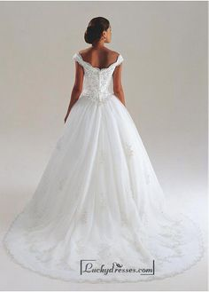 DaVinci Bridal is your ultimate destination for Bridesmaid Dresses, Designer wedding gowns and best bridal dresses online. Bridal Dresses Online, Wedding Dresses 2014, Wedding Dresses Plus Size, Wedding Dress Styles, Designer Wedding Dresses, Wedding Attire, Bridal Gowns, Wedding Gowns, Gowns Online