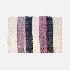 Color inspiration in this pretty rug.