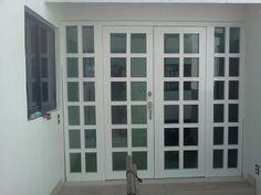 Ventanas De Aluminio, Puertas, Canceles, Vidrios Etc Wooden Door Design, Wooden Doors, Sliding French Doors, French Windows, Interior Windows, Aluminium Doors, Window Shutters, Courtyard House, Iron Doors
