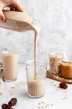 Vegan Peanut Butter Cookies, Healthy Oatmeal Cookies, Peanut Butter Smoothie, Peanut Butter Oatmeal, Healthy Peanut Butter, Vegan Oatmeal, Best Smoothie, Date Smoothie, Smoothie Recipes