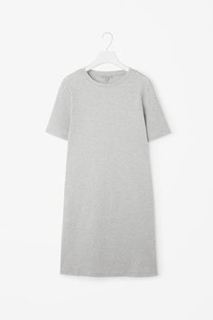 A casual style and a simple, clean design, this short dress is made from a soft, ribbed cotton with a melange finish. A straight fit, it has neat short sleeves, a round neckline and double-stitch edges.