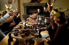 Viikinkiravintola Harald http://www.ravintolaharald.fi Haraldin viikinkimiljöössä seilaat kesteihin keskelle viikinkiaikaa, jossa ruoka ja juoma ovat kohokohta.Haraldin herkulliset maut koostuvat pohjoisen metsän,veden,ilman ja maan antimista.