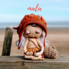 Mala a one of a kind little sand doodle dune bug Dee Day, Pixie Ears, Bug Art, Little Doodles, Jute Bags, Vintage Cotton, Wooden Beads, Creative Gifts, Dune