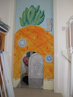 Pineapple under the sea doorway for our spongebob party