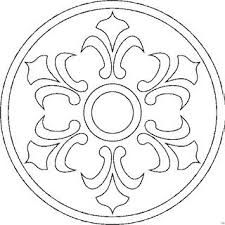 mandala - (Neat idea: All the 'scrap' CDs I have. Strip the 'silver' off, use a dremmel to etch design into clear disk. Great starting point for various craft ideas. Mandala Pattern, Mosaic Patterns, Mandala Art, Embroidery Patterns, Mandala Coloring, Colouring Pages, Coloring Books, Tattoo Knee, Stencils
