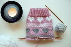 Marimekko, Baby Knitting Patterns, Crochet Yarn, Knitting Projects, Handicraft, Mittens, Ravelry, Knitted Hats, Stuff To Do