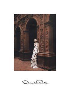 Carolyn Murphy wears floral dress stars in Oscar de la Renta spring summer 2016 campaign