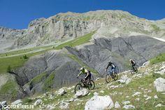 Backcountry mountain biking in Valberg, France. © Greg Germain | 1001sentiers.fr