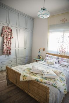 love finding inspiration in homes that are entirely different than my own taste. love this super peaceful pale green/grey/blue color for a bedroom. far more feminine, antiquey, and whimsical than i'm normally drawn to. sneak peak of karen shavit's home in israel via design*sponge.