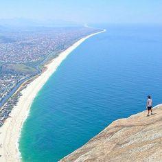 Itapiaçu - RJ / Pedra do Elegante 📍🗺 Photo by: Ab Negreiros #belezanatural #trip #viajar #destinosbrasileiros #natureza #destino #backpacker #sea #mar #praia #verao #summer