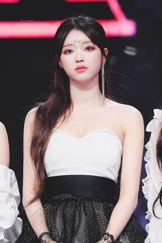 Kpop Girl Groups, Kpop Girls, K Pop, Korean Girl, Asian Girl, Rapper, Oh My Girl Yooa, Fit Women, Sexy Women